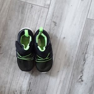 Cat and Jack size6 green and black
